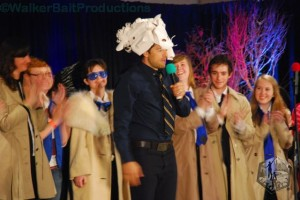 Misha Collins judges the 'Castiel' cosplayers at DCcon.