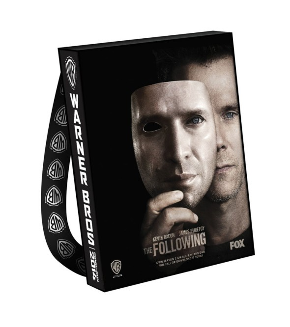 FOLLOWING-THE-Comic-Con-2014-Bag-906x1024