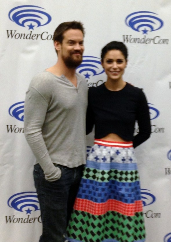 Salem's Shane West and Janet Montgomery share smiles at Wondercon 2015!