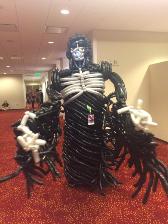 This cosplay (yes, a person is inside) was made using 318 ballons!